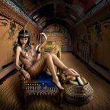 Cleópatra, Maria Antonieta e outras dez rainhas ganham vida nas lentes de fotógrafaaustraliana